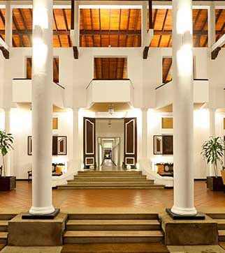 Stylish lobby at Cinnamon Lodge Habarana