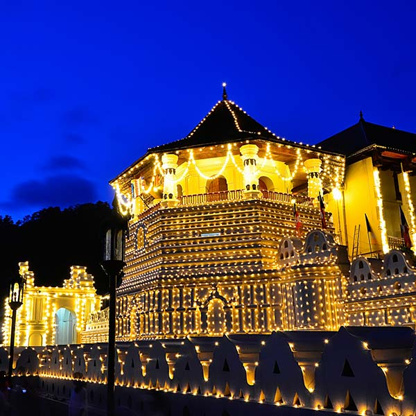 The legendary Temple of Tooth Relic