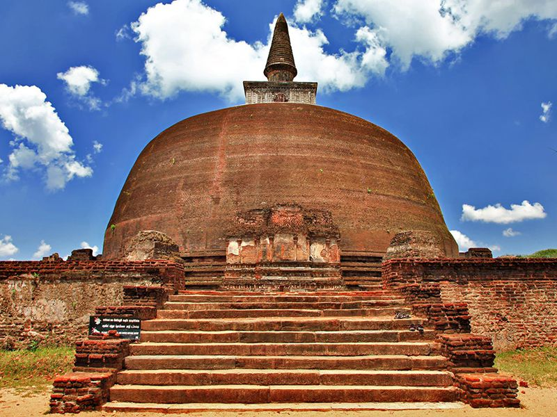 Discover the rich Buddhist culture in Polonnaruwa