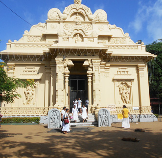 Murals at Bellanwilla Temple – Morning Tour in sri lanka